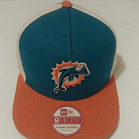 competitive price cc109 8556e New Era 9Fifty Miami Dolphins Hat. M 5c70d2b2a31c33dc21526353